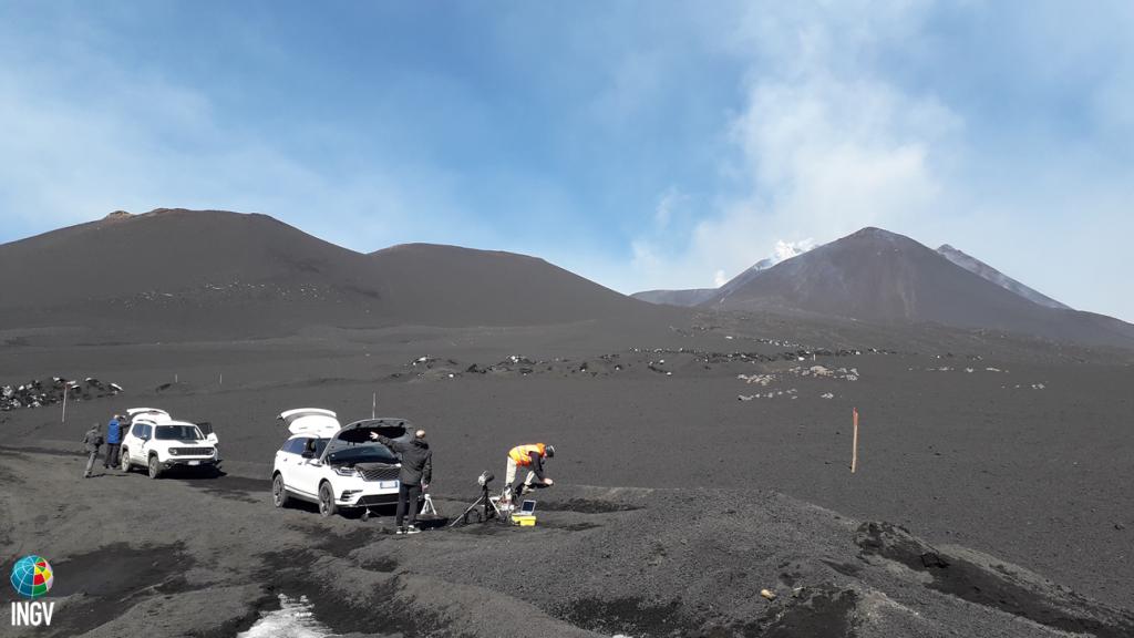 Etna - field activity